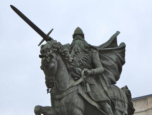 Spain-Burgos-El-Cid-2-525x398